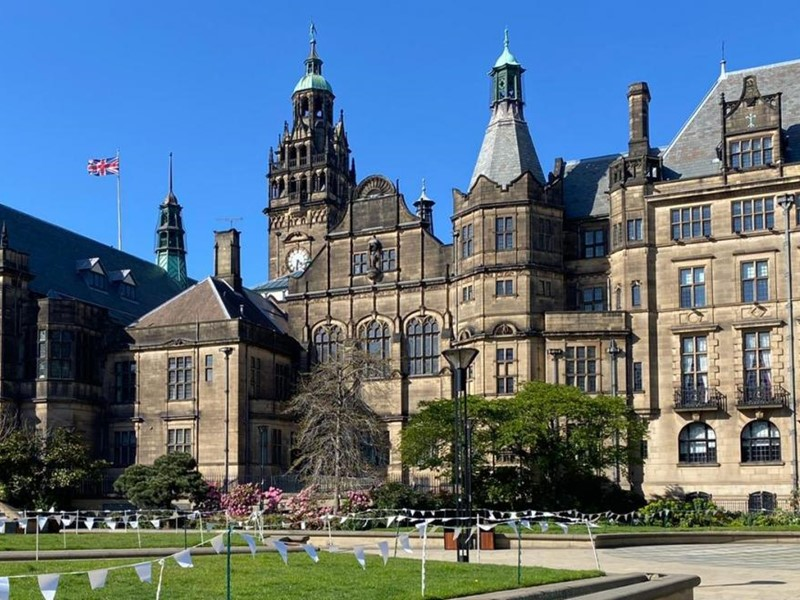Sheffield Town Hall in the sun