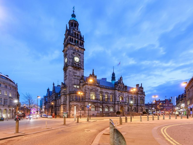 Photograph of Sheffield Town Hall, view from Pinstone Street