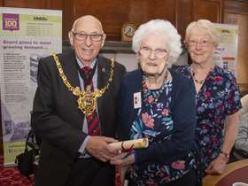 Lord Mayor with Vera
